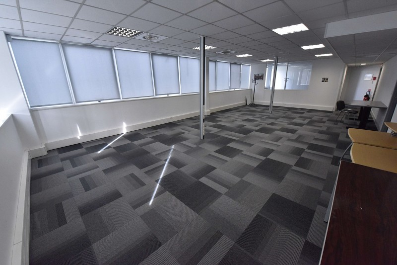 vendre bureaux LABEGE 954000 € 0 piéces