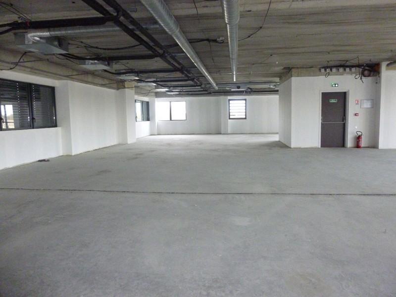 Vente bureaux MURET 1600m² 3528000 € 0 piéces