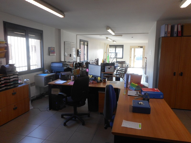 Vente local PORTET-SUR-GARONNE 1166000 €